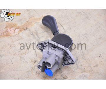 Кран ручного (стояночного) тормоза FAW-3252